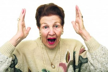 Бабушка кричит