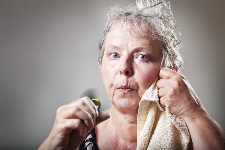 Лечение климакса: народные средства при приливах